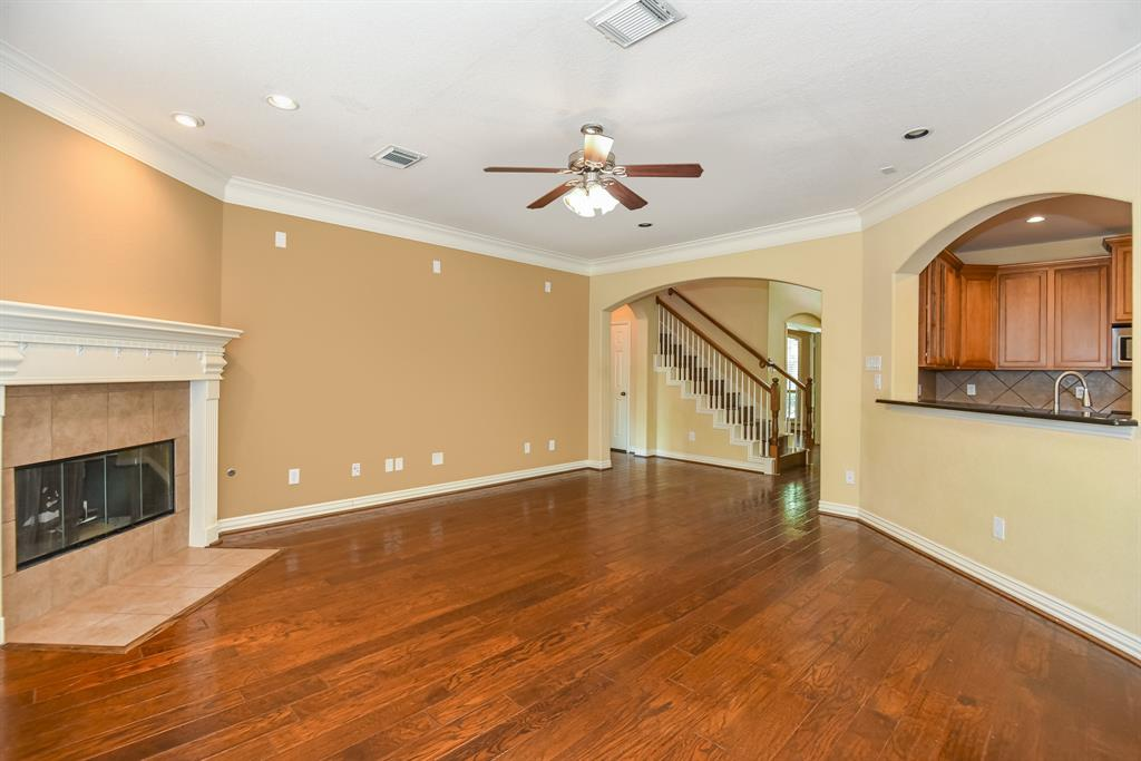 Active | 34 N Wyckham  Circle The Woodlands, TX 77382 9