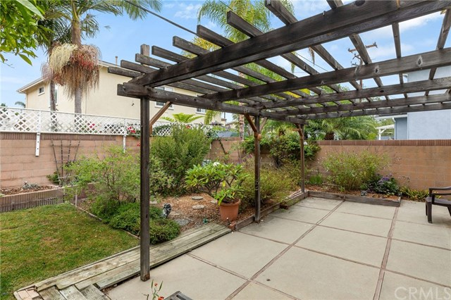 Active Under Contract | 22929 Fonthill  Avenue Torrance, CA 90505 9