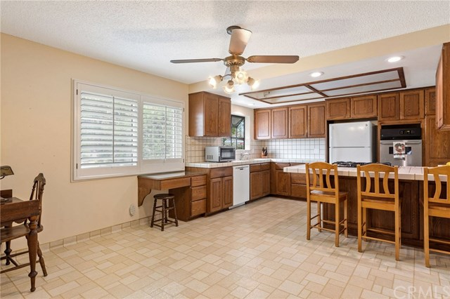 Active Under Contract | 22929 Fonthill  Avenue Torrance, CA 90505 19
