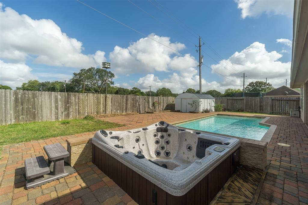 Off Market | 6086 Haysden Lane League City, Texas 77573 34