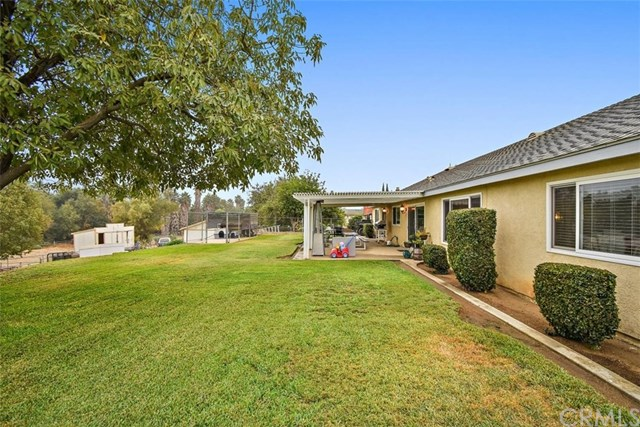 Pending | 5608 Cliff Valley  Circle Riverside, CA 92509 23