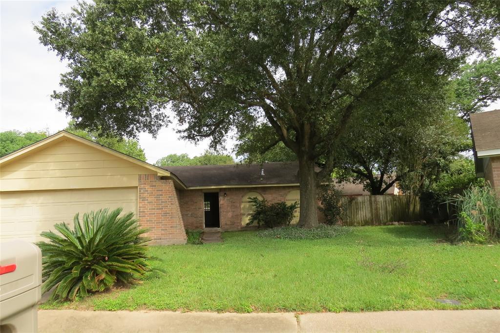 Pending | 7626 Wovenwood Ln Houston, Texas 77041 1