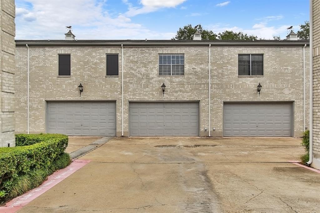 Off Market | 7248 Regency Square Boulevard Houston, Texas 77036 36