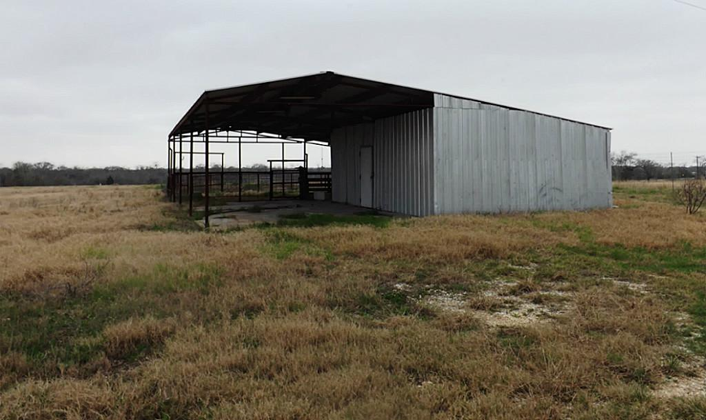 Fantastic High Fence Hunting Property in Waelder | 0 Hwy 90 Waelder, Texas 78959 5