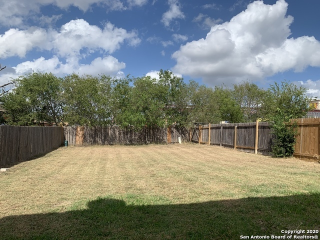 Active/Application Received | 8166 Heights Valley Converse, TX 78109 11
