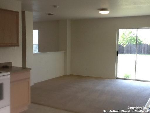 Active/Application Received | 8166 Heights Valley Converse, TX 78109 7