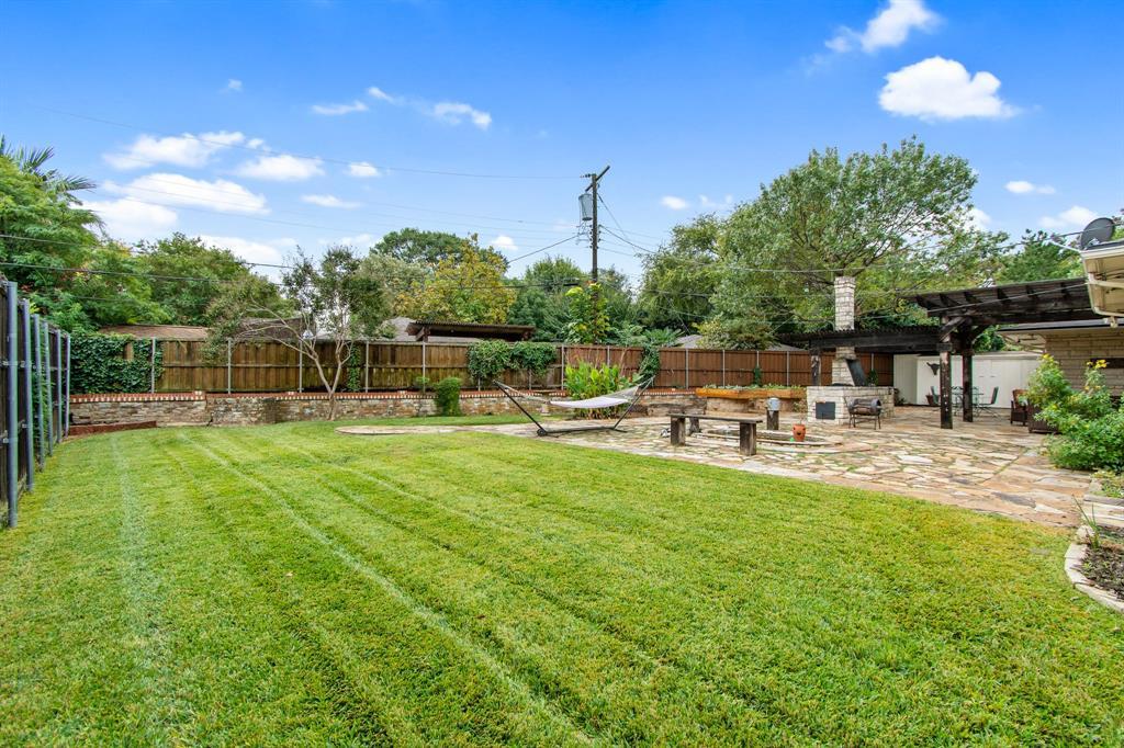 Active | 810 W Greenbriar  Lane Dallas, TX 75208 32