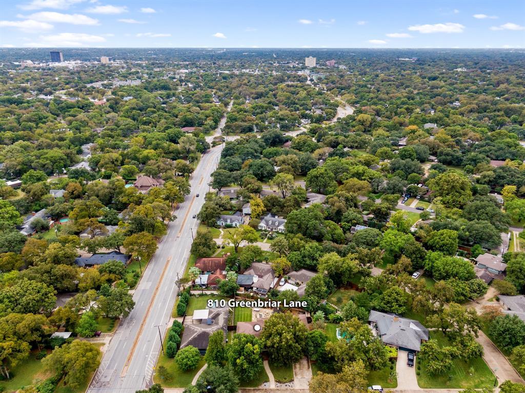 Active | 810 W Greenbriar  Lane Dallas, TX 75208 7