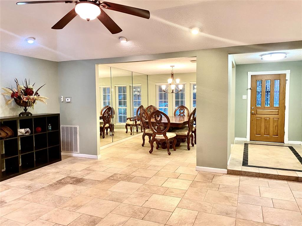 Active | 1309 Piney Woods  Drive Friendswood, TX 77546 3