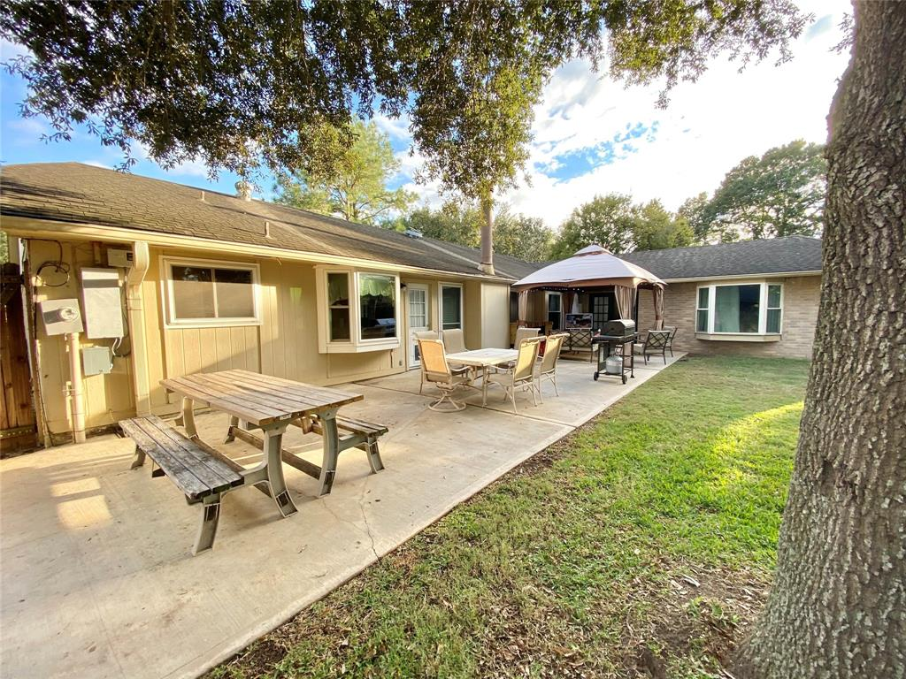 Active | 1309 Piney Woods  Drive Friendswood, TX 77546 25