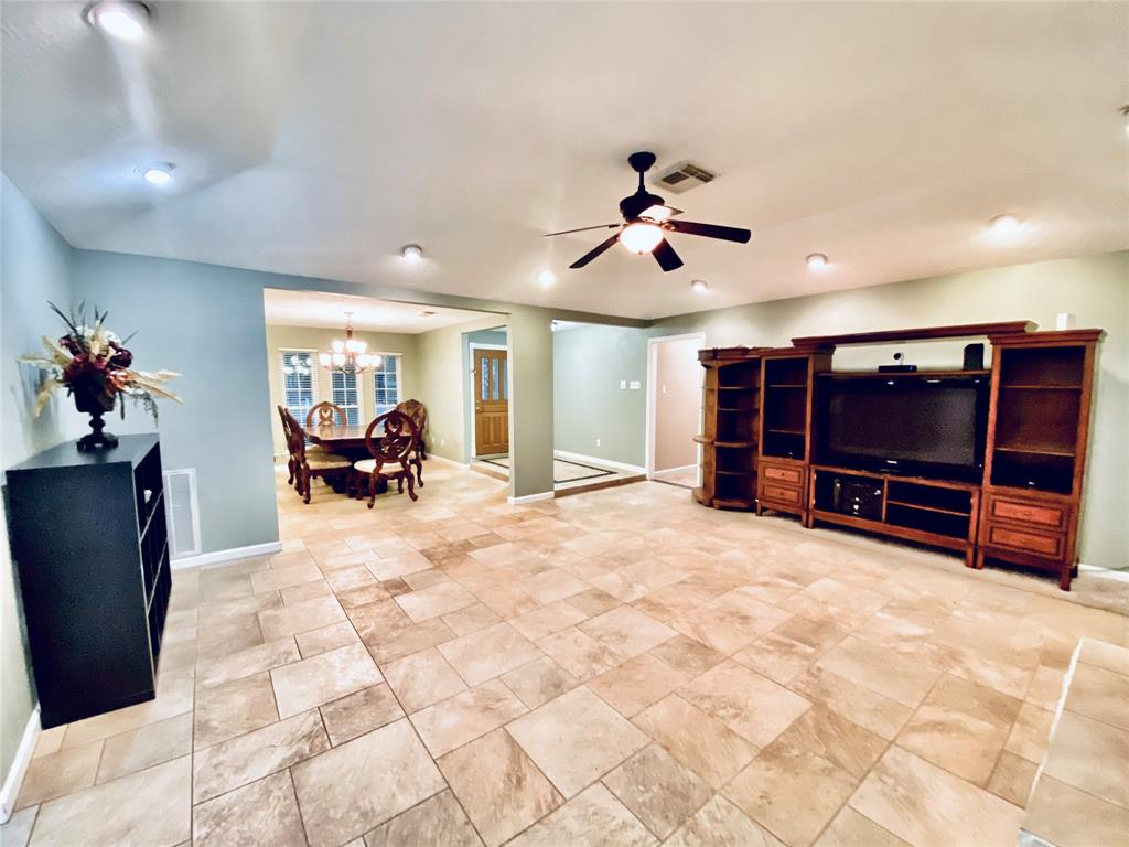 Active | 1309 Piney Woods  Drive Friendswood, TX 77546 4