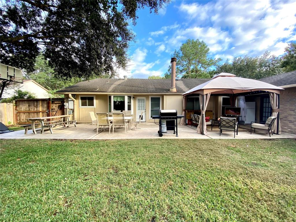 Pending | 1309 Piney Woods Drive Friendswood, Texas 77546 26