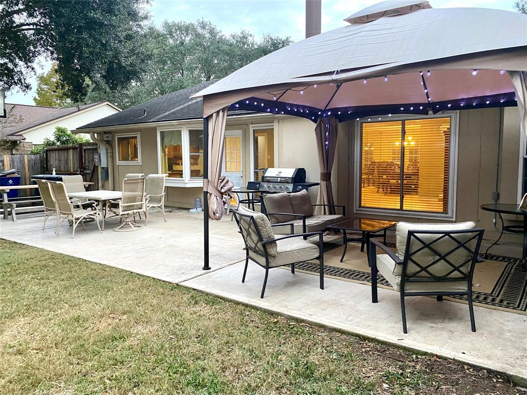 Pending | 1309 Piney Woods Drive Friendswood, Texas 77546 40