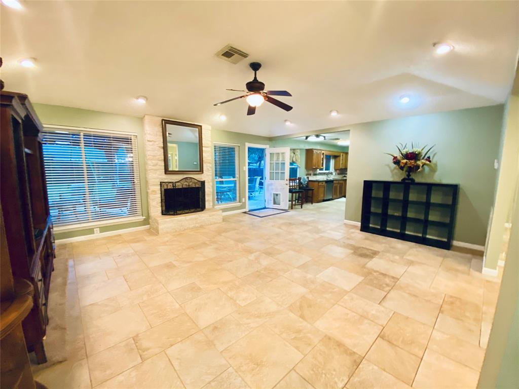 Active | 1309 Piney Woods  Drive Friendswood, TX 77546 10