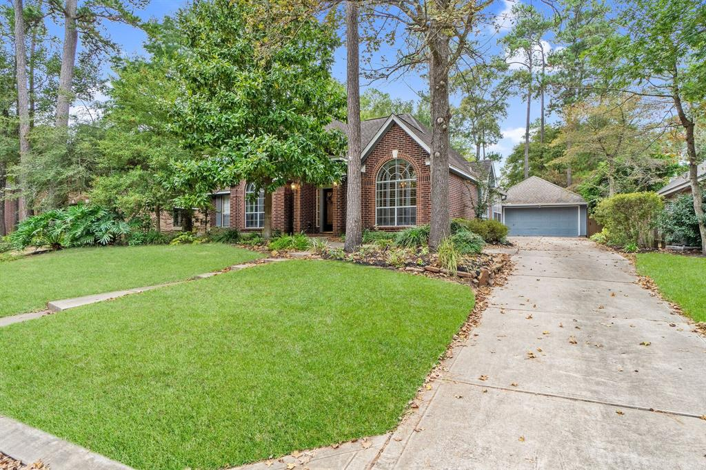 Active | 11 Rolling Stone  Place The Woodlands, TX 77381 1