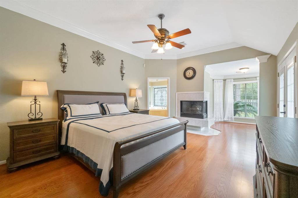 Active | 11 Rolling Stone  Place The Woodlands, TX 77381 15