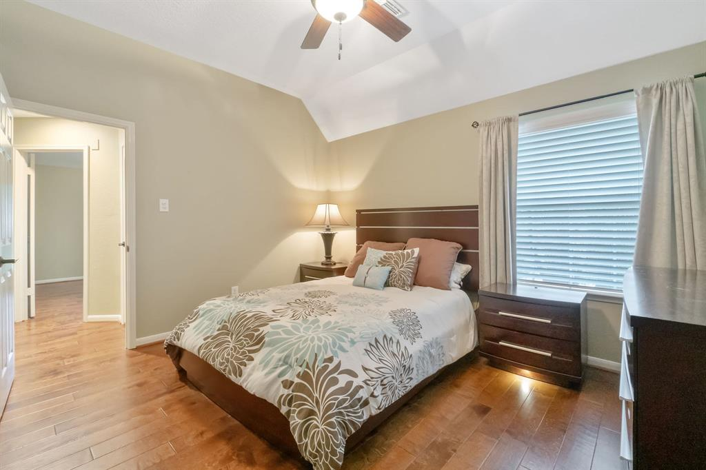 Active | 11 Rolling Stone  Place The Woodlands, TX 77381 25