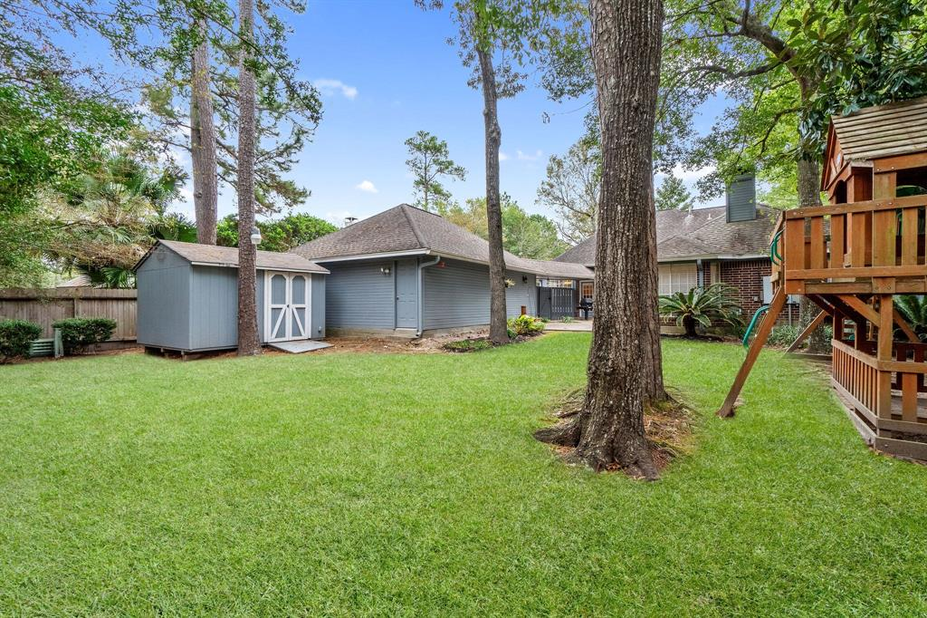 Active | 11 Rolling Stone  Place The Woodlands, TX 77381 32