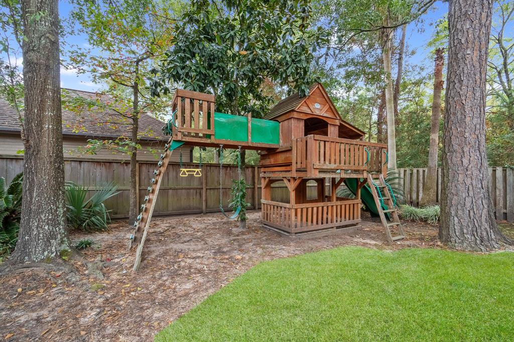 Active | 11 Rolling Stone  Place The Woodlands, TX 77381 33
