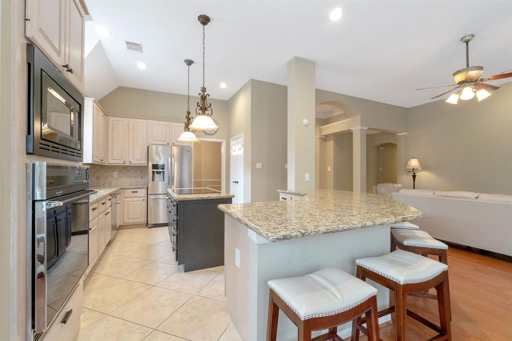 Active | 11 Rolling Stone  Place The Woodlands, TX 77381 9