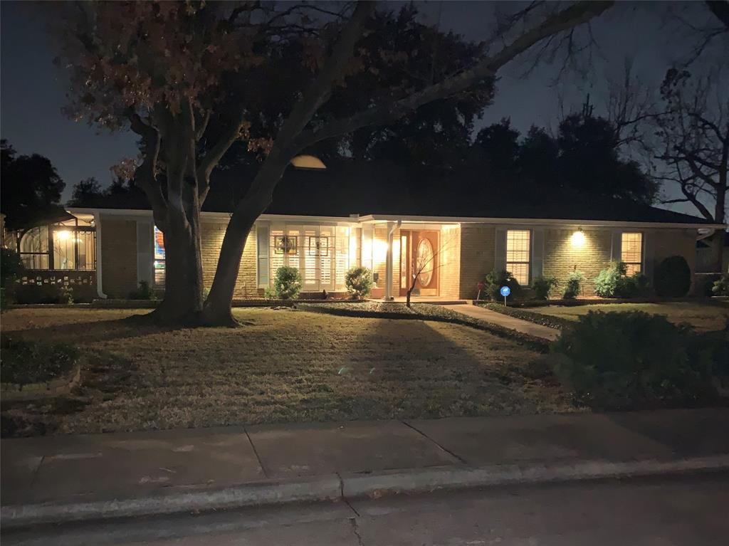 Active | 6914 Roundrock  Road Dallas, TX 75248 1