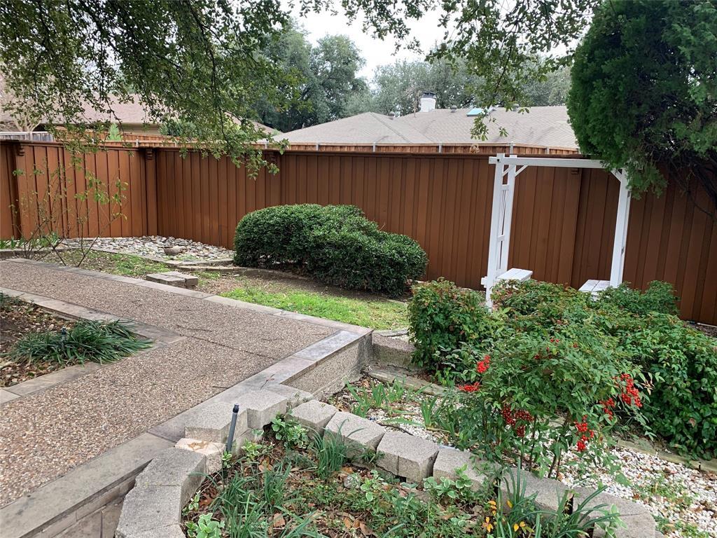 Active | 6914 Roundrock  Road Dallas, TX 75248 25