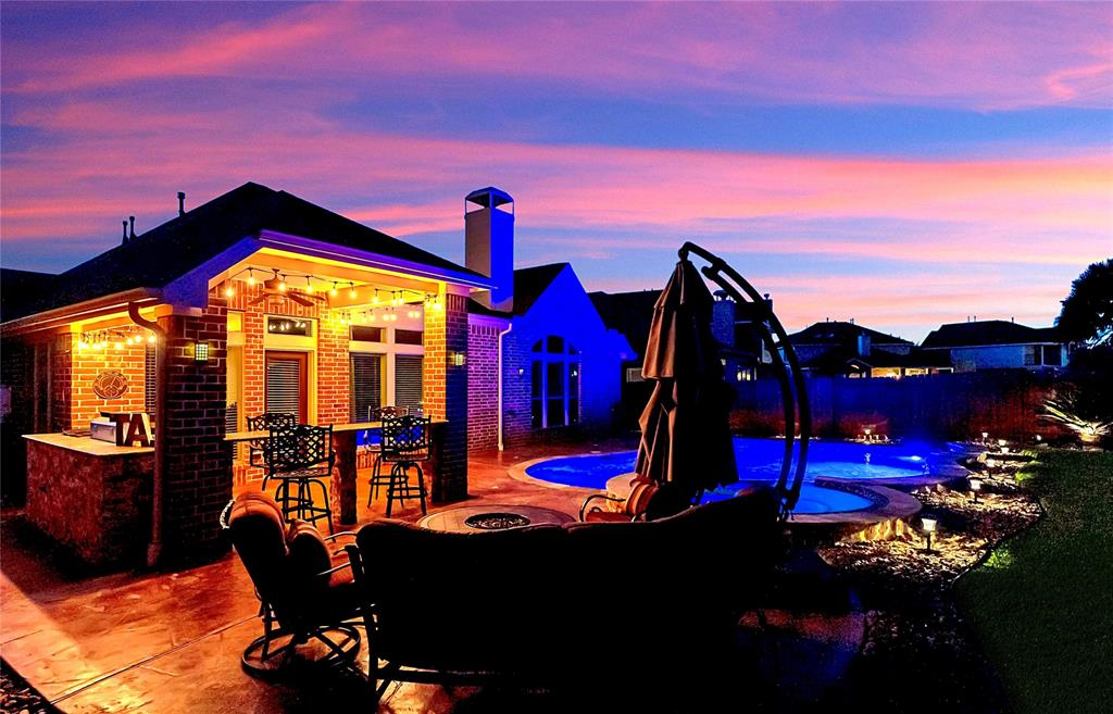 Pending | 2919 Silhouette Bay  Drive Pearland, TX 77584 27