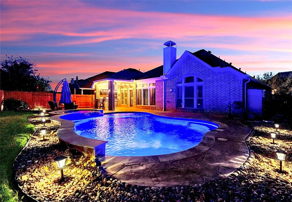 Pending | 2919 Silhouette Bay  Drive Pearland, TX 77584 28