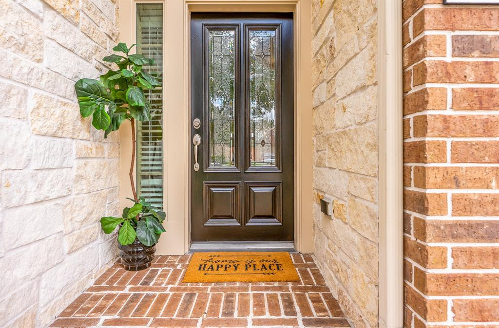 Pending | 2919 Silhouette Bay  Drive Pearland, TX 77584 4