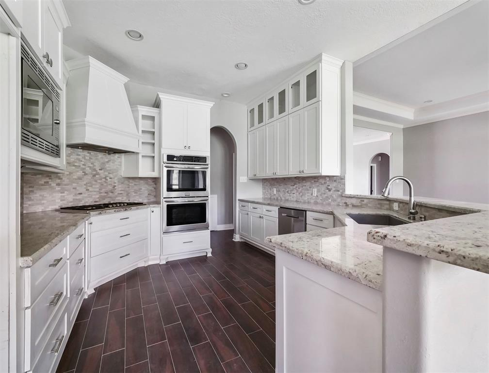 Active | 24289 Clear Creek  Court Hockley, TX 77447 12