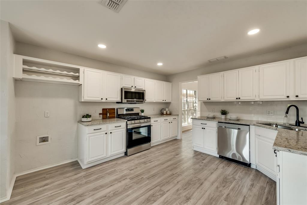 Sold Property | 6218 Castle Creek  Road Arlington, TX 76017 1