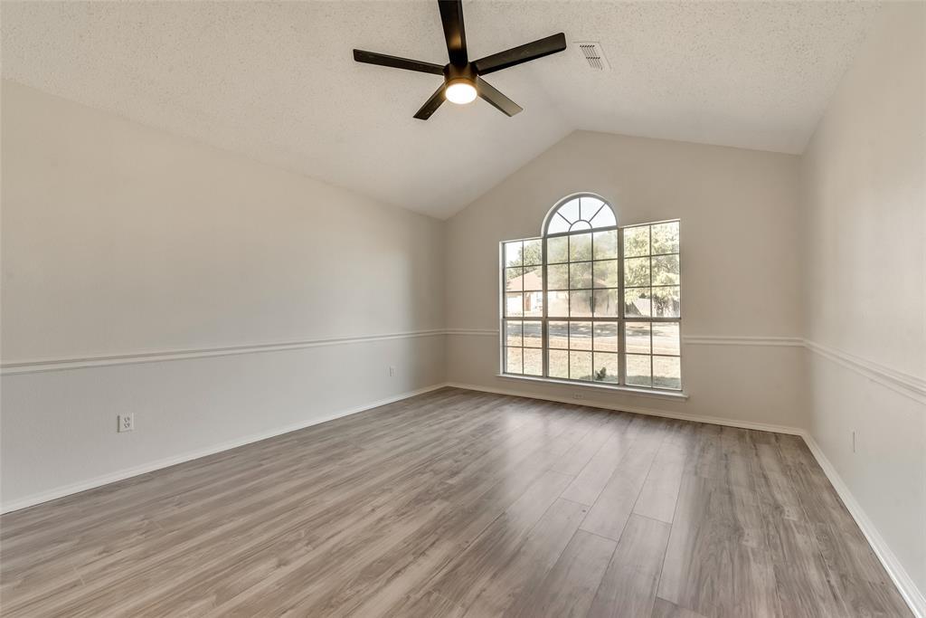 Sold Property | 6218 Castle Creek  Road Arlington, TX 76017 4