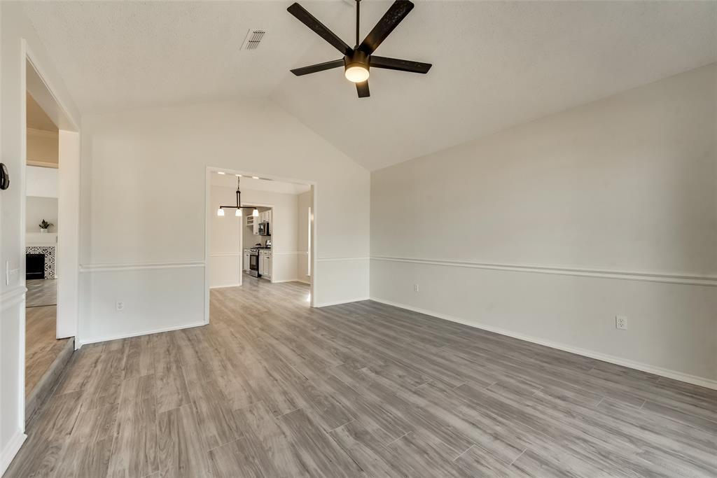 Sold Property | 6218 Castle Creek  Road Arlington, TX 76017 7