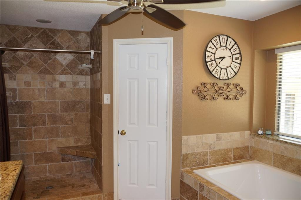 Sold Property | 911 Auburn Court Arlington, Texas 76012 20