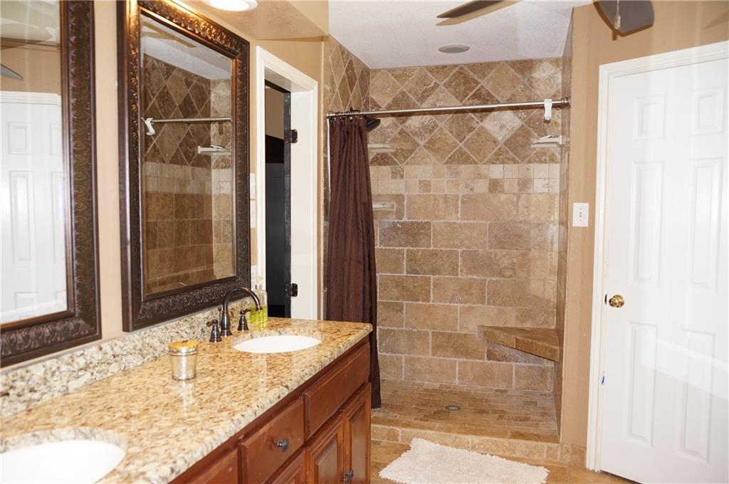 Sold Property | 911 Auburn Court Arlington, Texas 76012 21