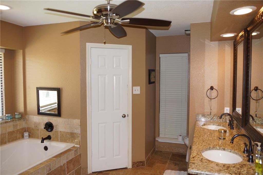 Sold Property | 911 Auburn Court Arlington, Texas 76012 22