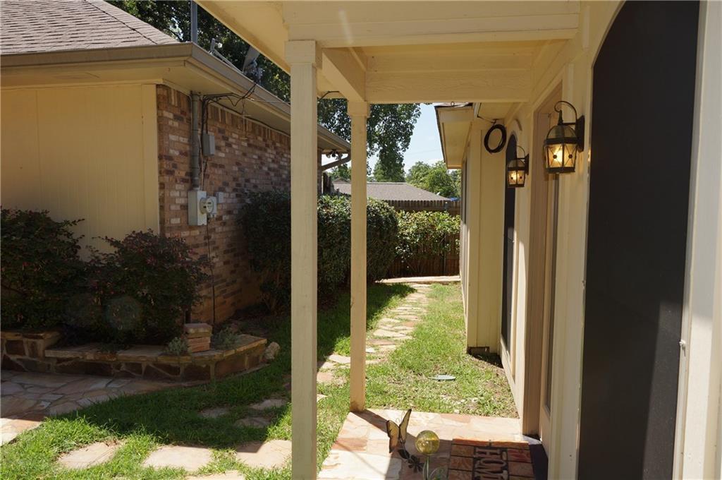 Sold Property | 911 Auburn Court Arlington, Texas 76012 27