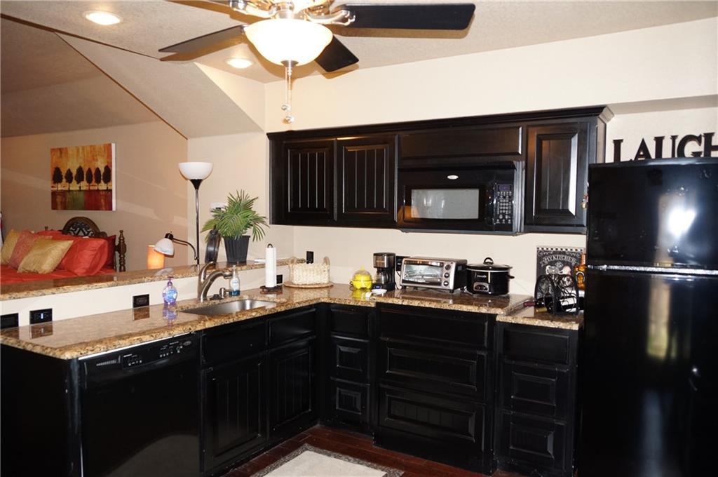 Sold Property | 911 Auburn Court Arlington, Texas 76012 28