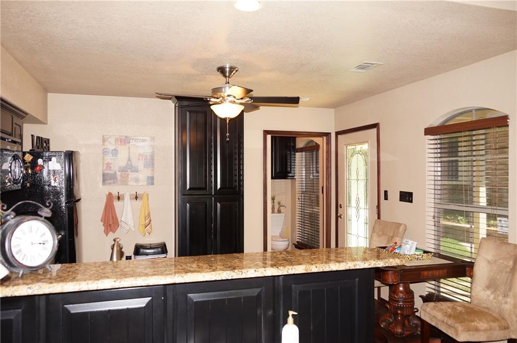 Sold Property | 911 Auburn Court Arlington, Texas 76012 29