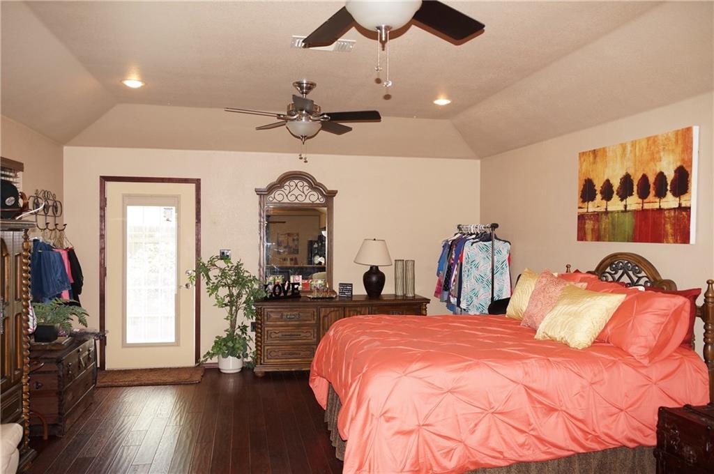 Sold Property | 911 Auburn Court Arlington, Texas 76012 30