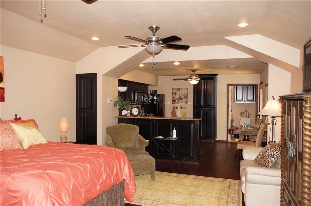 Sold Property | 911 Auburn Court Arlington, Texas 76012 31