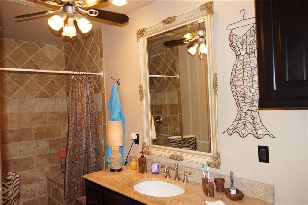 Sold Property | 911 Auburn Court Arlington, Texas 76012 32
