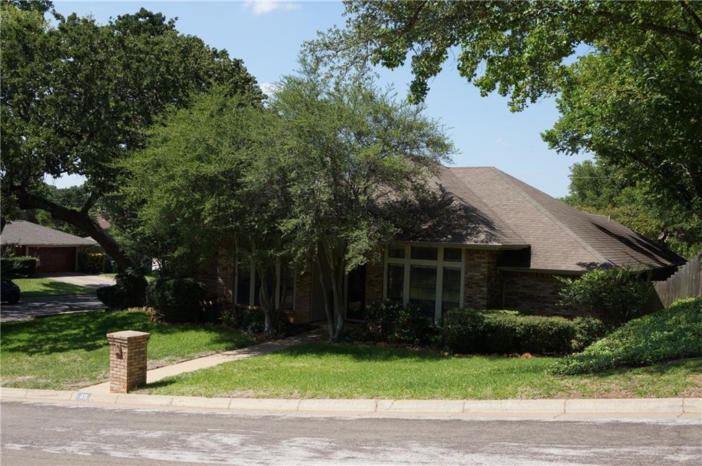 Sold Property | 911 Auburn Court Arlington, Texas 76012 3