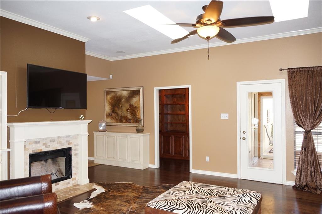 Sold Property | 911 Auburn Court Arlington, Texas 76012 4