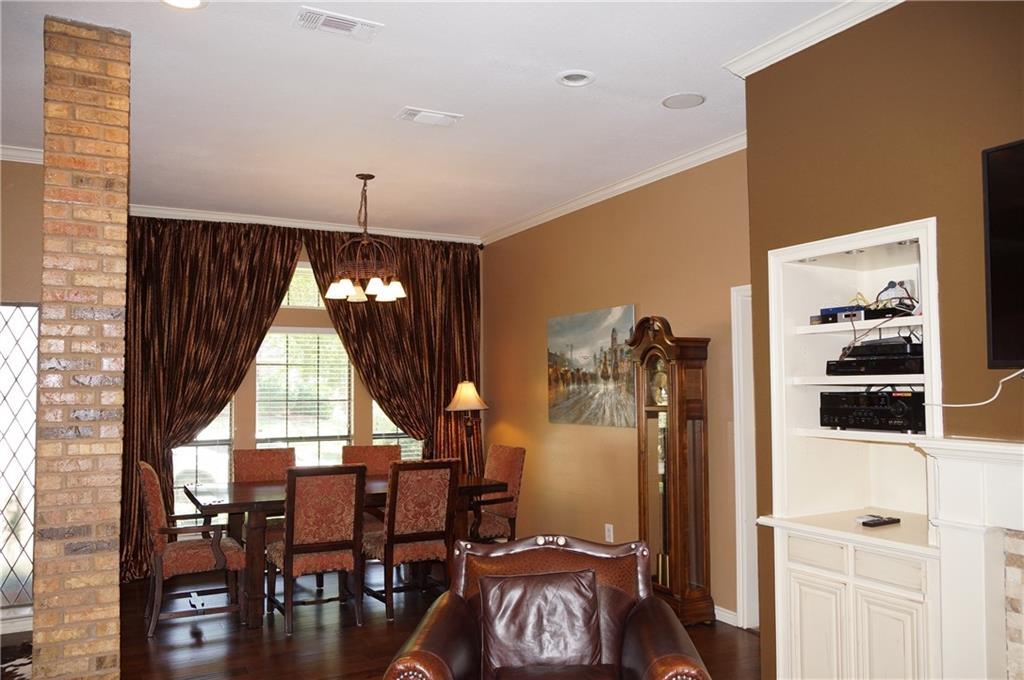 Sold Property | 911 Auburn Court Arlington, Texas 76012 6