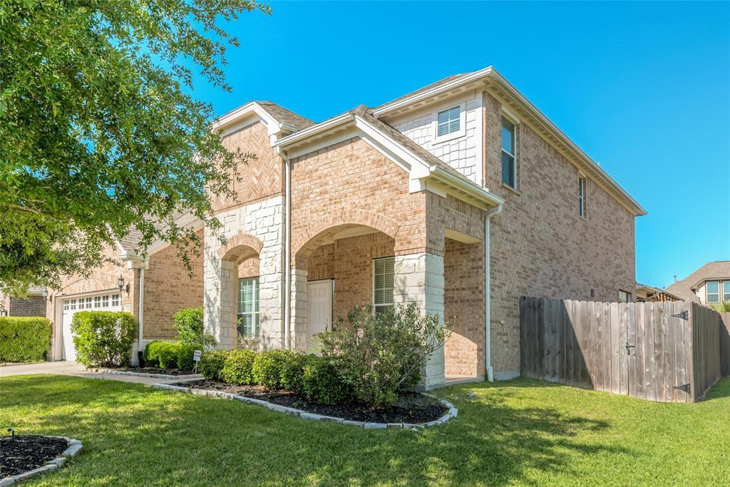 Pending | 13411 Douglas Lake Road Houston, Texas 77044 1