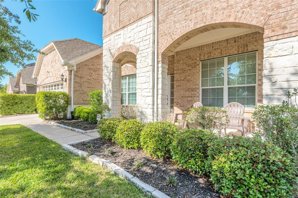 Pending | 13411 Douglas Lake Road Houston, Texas 77044 2