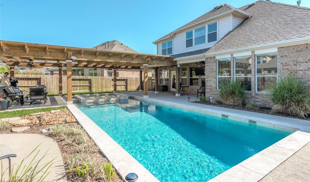 Pending | 13411 Douglas Lake Road Houston, Texas 77044 24