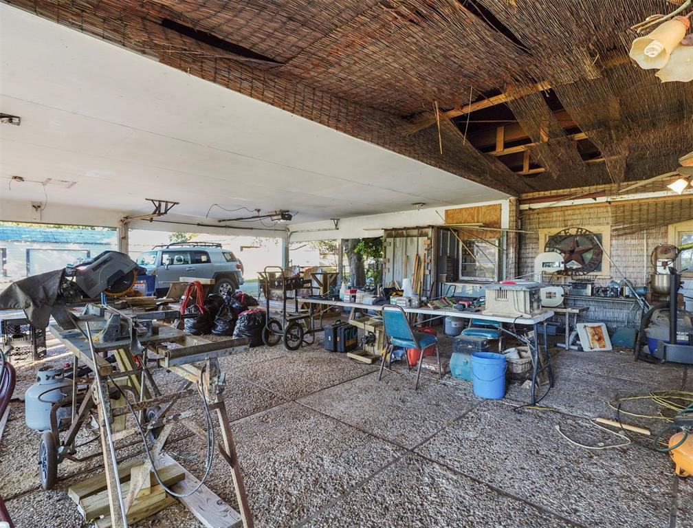 Active | 625 Wightman Street Matagorda, Texas 77457 32