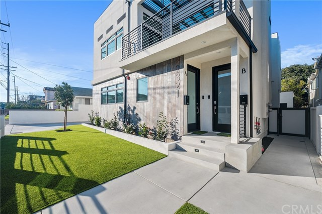 Active Under Contract | 2321 Vanderbilt  Lane Redondo Beach, CA 90278 1